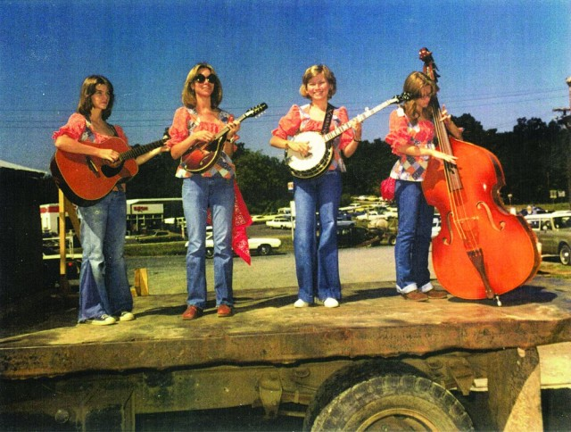 1976年Happy Hollow String Band