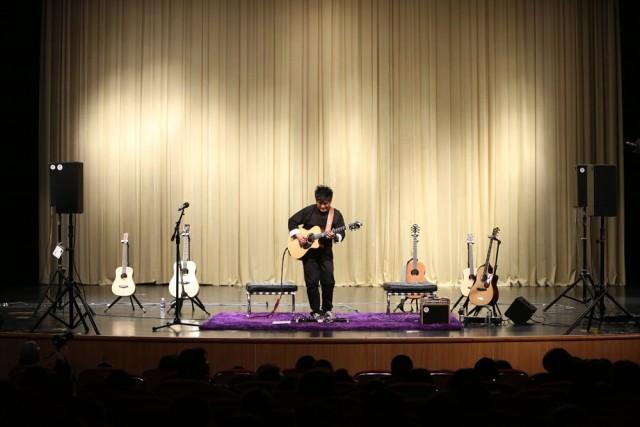 2014 年4月7日 陈亮陈彦宏青岛千人音乐会现场照片