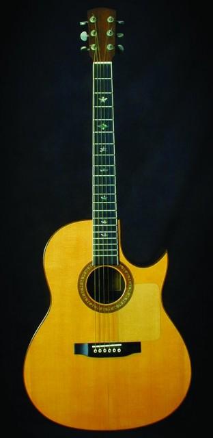 Larrivee缺角吉他