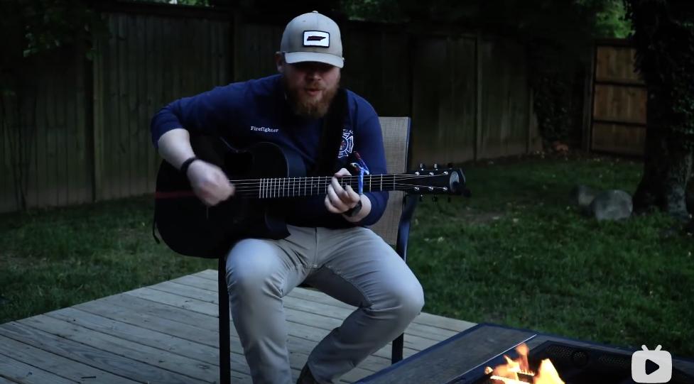 消防员歌手乡村音乐原声吉他弹唱Tyler Braden – Brother