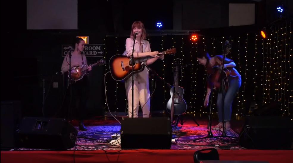 三个女生乐器合奏:Molly Tuttle, Sierra Hull, Sarah Jarosz-Salt Creek!